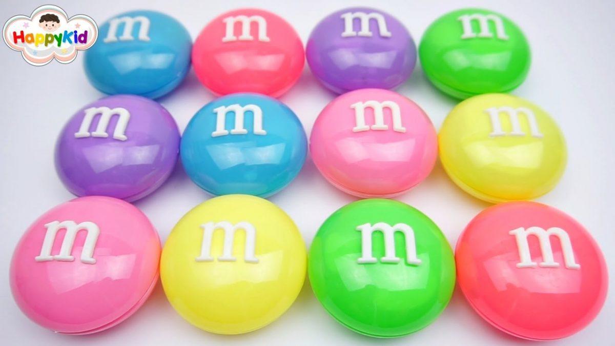 เปิดของเล่นใน M&M ยักษ์ | เรียนรู้สีภาษาอังกฤษ | Learn Color With Giant M&M Surprise