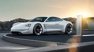 Porsche วางแผนลงทุนพัฒนา รถยนต์ไฟฟ้า ด้วยวงเงินกว่า 6,000 ล้านยูโรภายในปี 2022
