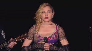 มาดอนน่า อุทิศเพลง Like a Prayer ให้ผู้เสียชีวิตที่ปารีส (คลิป)