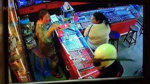โจรควงมีด บุกเดี่ยวปล้นร้านทอง กลางเมืองจันทบุรี