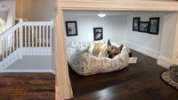 รีวิว แต่ง ห้องใต้บันได ให้เป็น บ้านหมา D.I.Y. ทำเองก็ได้ สวย แถมประหยัดพื้นที่