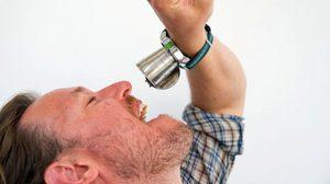 รุ่นใหม่ล่าสุดจริงๆ Apple Watch แบบแก้วเหล้า ที่สามารถทำให้เราเมาได้