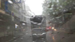 ฝนถล่มกรุง ทำน้ำท่วมขังผิวการจราจร รถชะลอตัวหลายพื้นที่