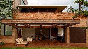 แบบบ้านสองชั้น สไตล์โมเดิร์น คันทรี เรียบง่าย ลงตัวกับ ธรรมชาติ