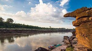 เที่ยว ผาชัน ชมเสาเฉลียงยักษ์ใหญ่ เลาะลำน้ำโขง