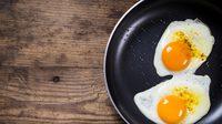ระวัง! ใครชอบกิน ไข่สุกๆ ดิบๆ เสี่ยง อาหารเป็นพิษ ไม่รู้ตัว
