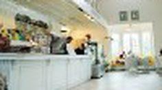 Sugar Moon Cafe' คาเฟ่สีขาว at ปากน้ำแขมหนู จันทบุรี