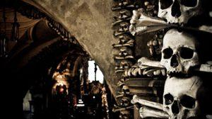 โบสถ์สยอง โคมไฟกระดูก Sedlec Ossuary, เซ็ก