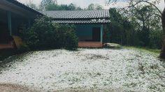 ขาวโพลนเหมือนหิมะ พายุลูกเห็บถล่มเชียงใหม่แม่แตงเสียหายทั้งตำบล