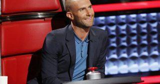 โกนเกลี้ยง ! รวมทรงผมอดัม Maroon 5 ทั้งก่อนและหลังไถผมหมดหัว