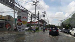 ประมวลภาพน้ำท่วมกรุงฯ แจ้งวัฒนะอ่วม เมืองทองน้ำท่วมสูง หลังฝนถล่มหนัก