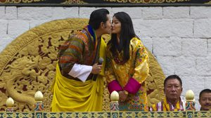 ตำนานรักบันลือโลก รักแท้ที่เฝ้ารอ ของราชาจิกมีและราชินี เจตซุน
