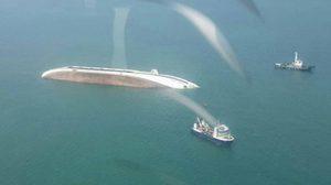 เรือท่องเที่ยวจีนจมทะเลแหลมฉบัง จนท.เฝ้าติดตามคราบน้ำมัน