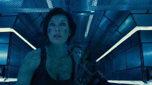บริษัทหรือค่ายกล!? อลิซเจอกับดักในคลิปล่าสุดจาก Resident Evil: The Final Chapter