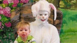 น่ากลัวเกิ๊น! 25 ภาพเด็กๆ กับกระต่าย เทศกาลอีสเตอร์ในอดีต