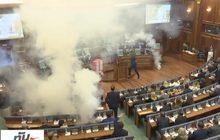 ฝ่ายค้านโคโซโวปาแก๊สน้ำตาป่วนประชุมรัฐสภา