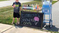 เด็กชายวัย 6 ขวบเปิดร้านขายน้ำแข็งไส เก็บเงินซื้อจักรยานเอง ไม่ง้อพ่อ