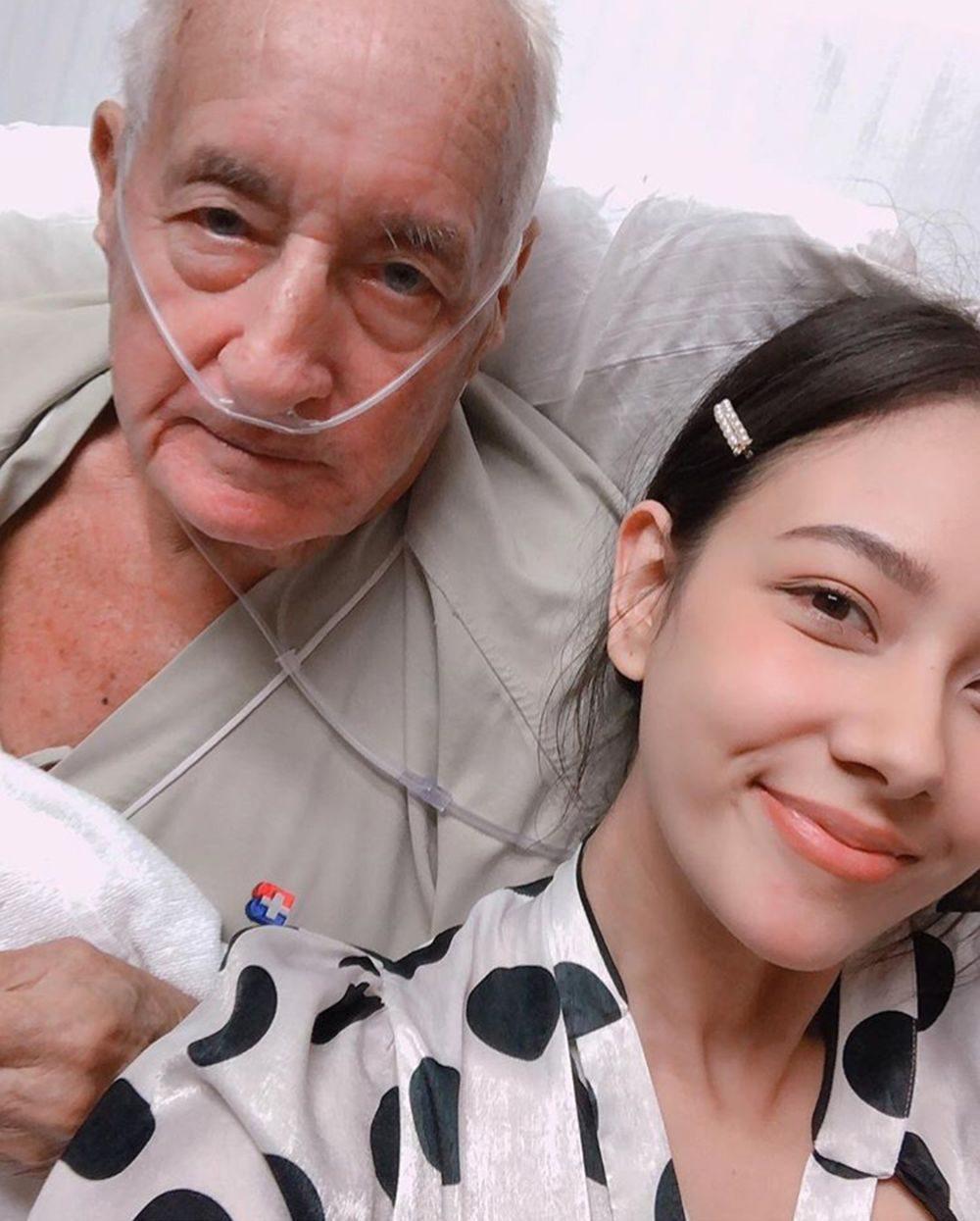 คุณพ่อกับลูกสาว
