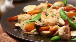 สูตร ผัดผักรวมกุ้ง ทานง่ายแถมได้สุขภาพ