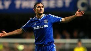 LONDON, ENGLAND - JANUARY 29:  Frank Lampard of Chelsea reacts during the Barclays Premier League match between Chelsea and West Ham United at Stamford Bridge on January 29, 2014 in London, England.  (Photo by Ian Walton/Getty Images)