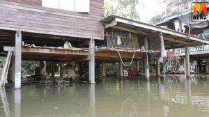 ชุมชนวัดวังสาครยังอ่วม หลังถูกน้ำท่วมเป็นเวลาเกือบ 1 เดือน – น้ำเริ่มเน่าเหม็น