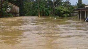 แนะผู้ประสบภัยน้ำท่วม เร่งล้างบ้านภายใน 24-48 ชม. หลังน้ำลดกันเชื้อรา