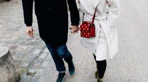 ความรัก ก้าวเดิน ไม่ต้องก้าวยาวและเร็ว เดินไปตามปกติ และก้าวต่อไปเรื่อยๆ