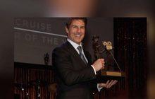 """""""ทอม ครูซ"""" นักแสดงคนแรกที่ได้รางวัลเกียรติยศ Pioneer of the Year"""