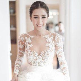 เจาะลึก ชุดแต่งงาน เนย โชติกา 5 ชุดตราตรึง พร้อมลายแทง สำหรับว่าที่เจ้าสาวคนถัดไป