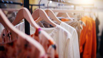 เสริมมงคล! ด้วยการเลือก สีเสื้อผ้าตามวันเกิด