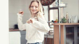 อย่าปล่อยให้ความเหงาตัวเท่าบ้าน! 7 วิธี อยู่บ้านคนเดียว ยังไง ให้หว่องแต่ไม่เหงา