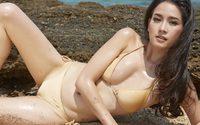 โม อมีนา กับความเซ็กซี่ร้อนแรง รับซัมเมอร์จนทะเลแทบแห้ง