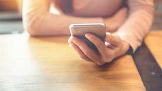 3 เหตุผล ที่ทำไมผู้หญิงหลายคนถึงยัง ส่องเฟซบุ๊กแฟนเก่า