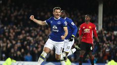 LIVERPOOL, ENGLAND - DECEMBER 04:  Leighton Baines of Everton celebrates scoring an equalising goal from a penalty to make the score 1-1 during the Premier League match between Everton and Manchester United at Goodison Park on December 4, 2016 in Liverpool, England.  (Photo by Chris Brunskill - AMA/Getty Images)