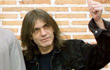 """""""มัลคอล์ม ยัง"""" ยอดมือกีตาร์วง """"AC/DC"""" เสียชีวิตด้วยวัย 64 ปี"""