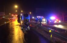 รถทัวร์สายอีสานเสียหลักพลิกคว่ำผู้โดยสารเจ็บ 2 คน