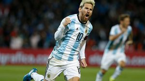 MENDOZA, ARGENTINA - SEPTEMBER 01:  Lionel Messi of Argentina celebrates after scoring the first goal of his team during a match between Argentina and Uruguay as part of FIFA 2018 World Cup Qualifiers at Malvinas Argentinas Stadium on September 01, 2016 in Mendoza, Argentina. (Photo by Gabriel Rossi/LatinContent/Getty Images)
