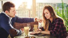 9 สิ่งที่หากคุณแฟนคุณทำ บอกเลยว่าเข้าข่ายเป็น แฟนขี้หึง เบอร์สุด!!
