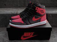 Nike Air Jordan 1 อัพเกรดวัสดุเป็นผ้าซาติน และผลิตเพียง 501 คู่เท่านั้น