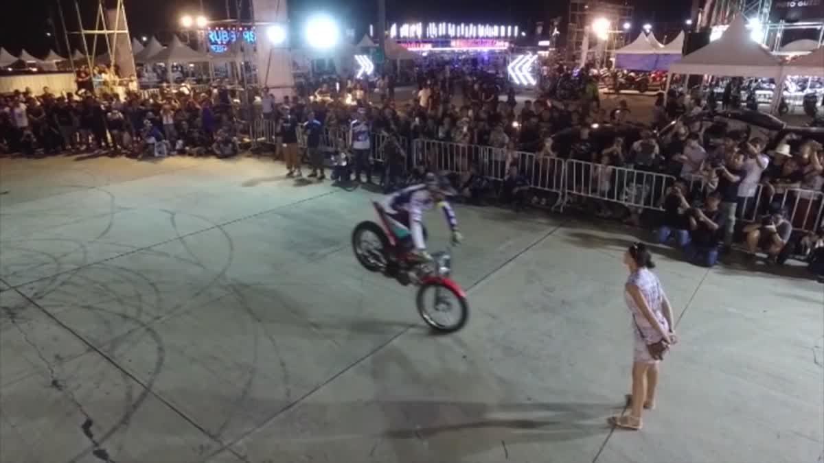 ชม  ทิม โคลแมน โชว์ลีลาสุดผาดโผนสุด ครั้งแรก!!! ในเมืองไทย
