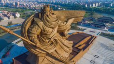 อลังเว่อร์!  จีนสร้าง รูปปั้น ยักษ์เทพเจ้า 'กวนอู' น้ำหนักกว่าพันตัน