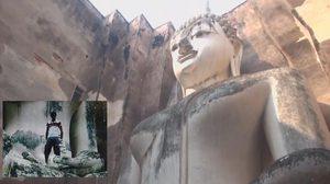 ชาวเน็ตสาปแช่ง! ฝรั่งปีนยืนถ่ายรูปในอุ้งพระหัตถ์ 'องค์พระอจนะ'