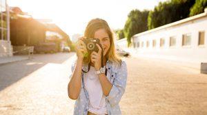 5 ข้อดี! ถ้าคุณได้ ผู้หญิงชอบถ่ายรูป ไปเป็นแฟน