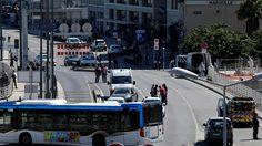 รถตู้พุ่งชนจุดจอดรถโดยสาร 2แห่งในฝรั่งเศส เสียชีวิต 1 คน