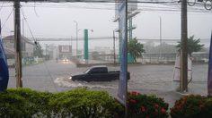 พิษพายุฤดูร้อน วารินชำราบ จ.อุบลราชธานี ฝนตก-น้ำท่วมขังแล้ว