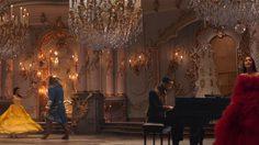งดงามกลางฟลอร์! เอเรียนา แกรนเด และ จอห์น เลเจนด์ ส่งพลังในมิวสิกวีดิโอ Beauty and the Beast
