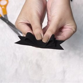 ชวนทำ ริบบิ้นดำ ขนาดเล็กกำลังดี เหมาะมากสำหรับ สาวออฟฟิศ (มีคลิป)