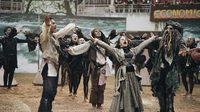 อลังการ งามสุดคม !  เชียร์ลีดเดอร์ มศว โชว์ฉากในหนัง 'Pirates of the Caribbean'