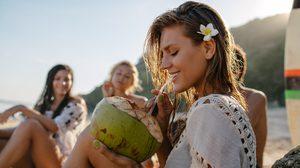 มาหาคำตอบ ผู้หญิงมีประจำเดือน ห้ามดื่มน้ำมะพร้าว จริงหรือ?