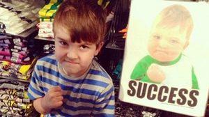 จำได้ไหม เด็กน้อยชูกำปั้นแห่งความสำเร็จ Success Kid